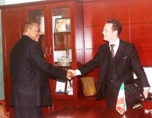 MADAXWEYNE SIILAANYO IYO SAFIIR KU-XIGEENKA SAFAARADDA JARMALKA EE NAIROBI