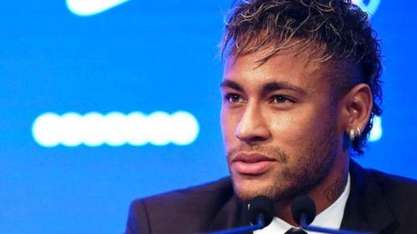 Neymar ayaa hadda ku sugan Barazil